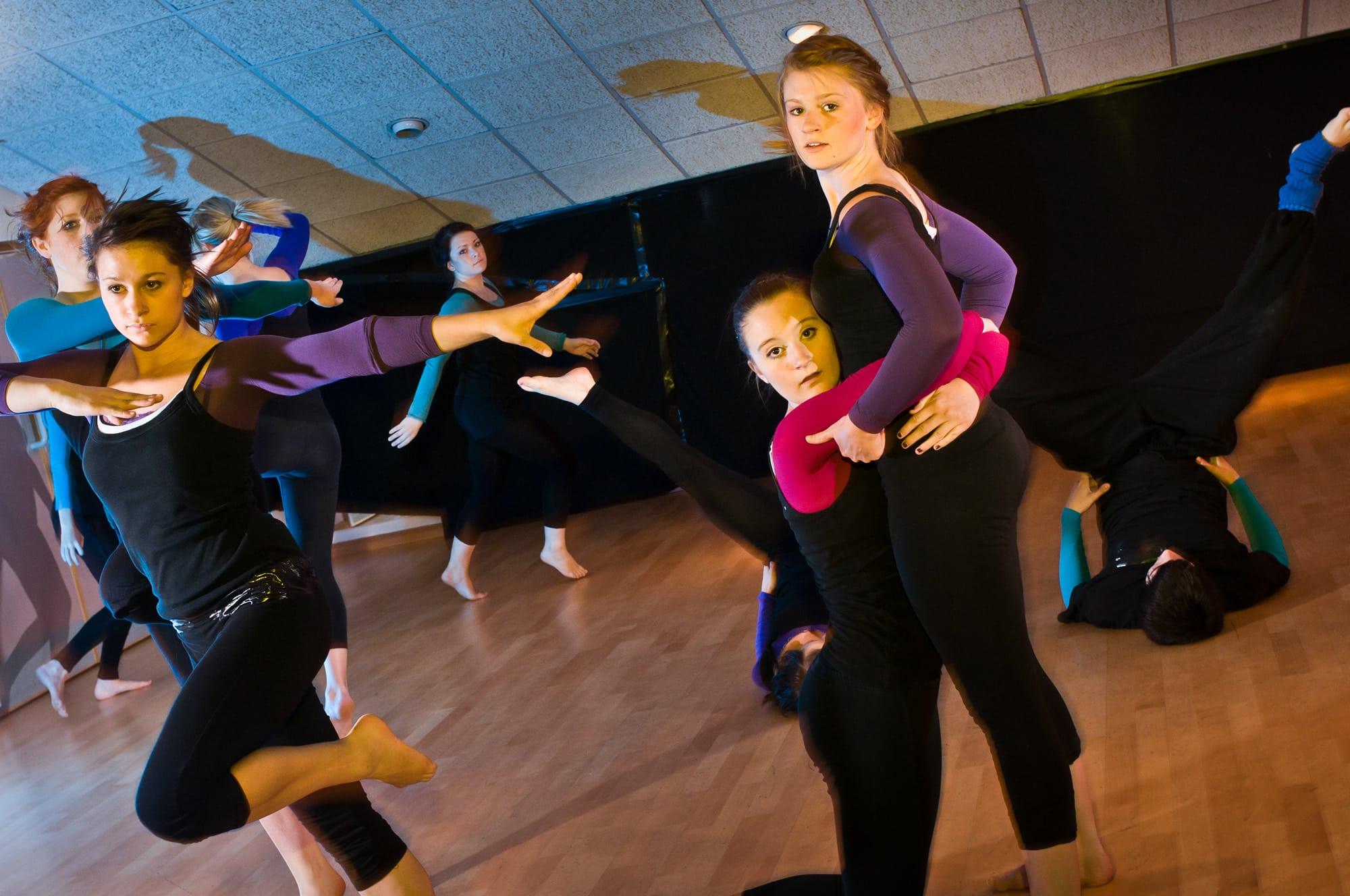 FuZe8 Feeder Class Dancers
